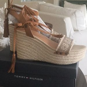 f0b26d83d362 Tommy Hilfiger Shoes - Tommy Hilfiger Wedge Espadrille Sandals Sz 8-1 2